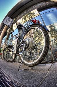 電動自転車で巡るパリ スタート