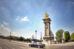 電動自転車で巡るパリ アレクサンドル3世橋