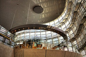 国立新美術館INSIDE エスカレーター