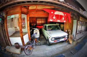 暖簾のある町【HDR】自動車屋の暖簾