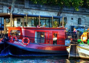 RiverCruise【HDR】赤いボート