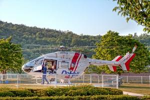 ドクターヘリ【HDR】ヘリのシートカバーの準備