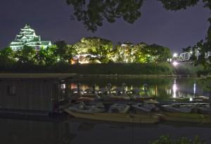 岡山後楽園と烏城でHDR@旭川の月見橋の下のスワンボート