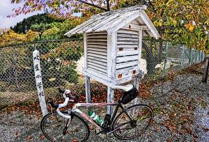 吹屋ふるさと村Part2 百葉箱とロードバイク