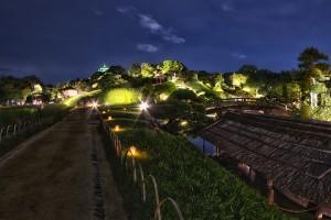 岡山後楽園と烏城でHDR@岡山後楽園の小道から少しだけ見える岡山城の天守閣!