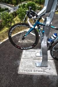 しまなみサイクリング@人型サイクルスタンド発見!