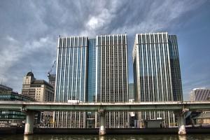 OsakaChips @阪神高速と3本のビル