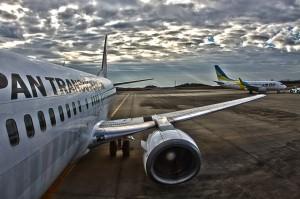 搭乗手続きと荷物検査@ツール・ド・おきなわ2015でHDR