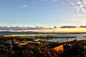 夕陽で金色に輝く古宇利大橋@ツール・ド・おきなわ2015でHDR