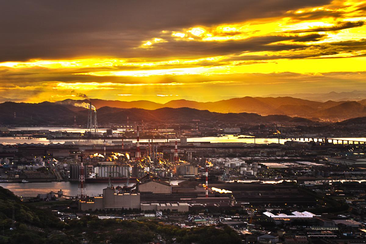 水島工業地帯の夕焼け
