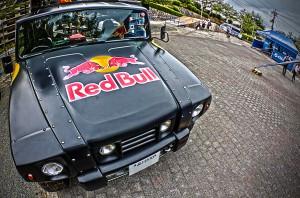 大型ディスプレイを天井に載せたRED BULL DJ CRA@Red Bull Holy Ride