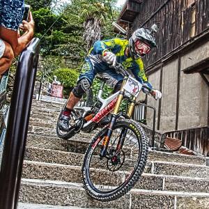 ライダーの頭にGoProアクションカメラ@Red Bull Holy Ride