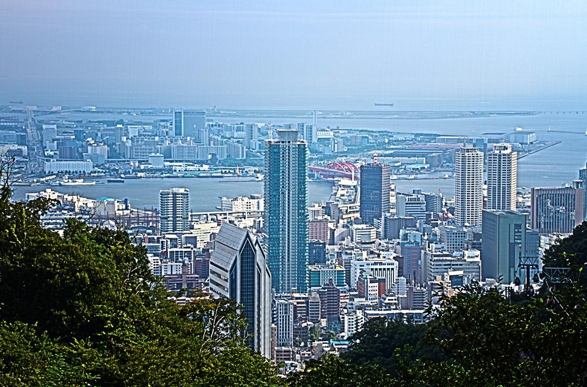 ハーブ園から見た神戸