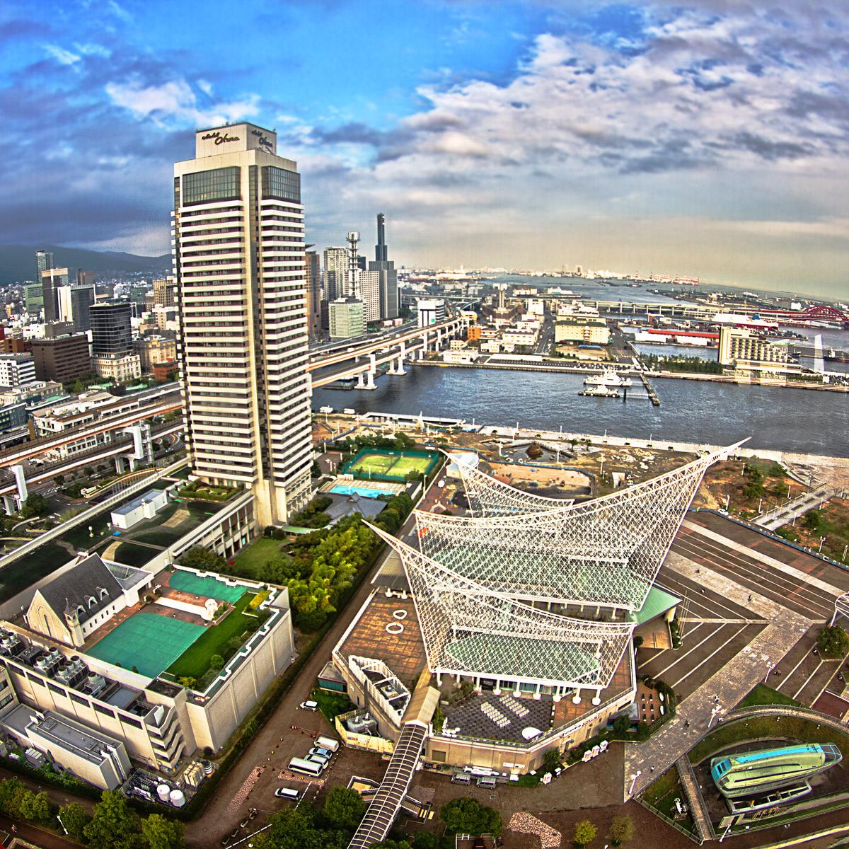 ポートタワーから見た神戸海洋博物館