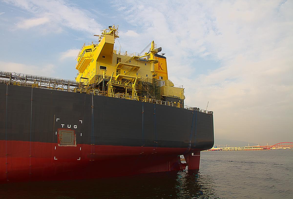 巨大なタンカー