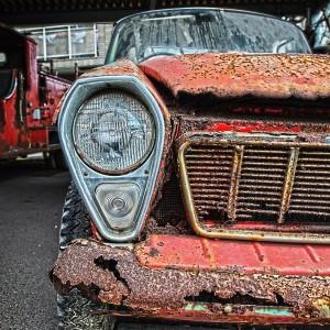赤い超絶錆びてるピックアップトラックをHDR@RUSTED CAR