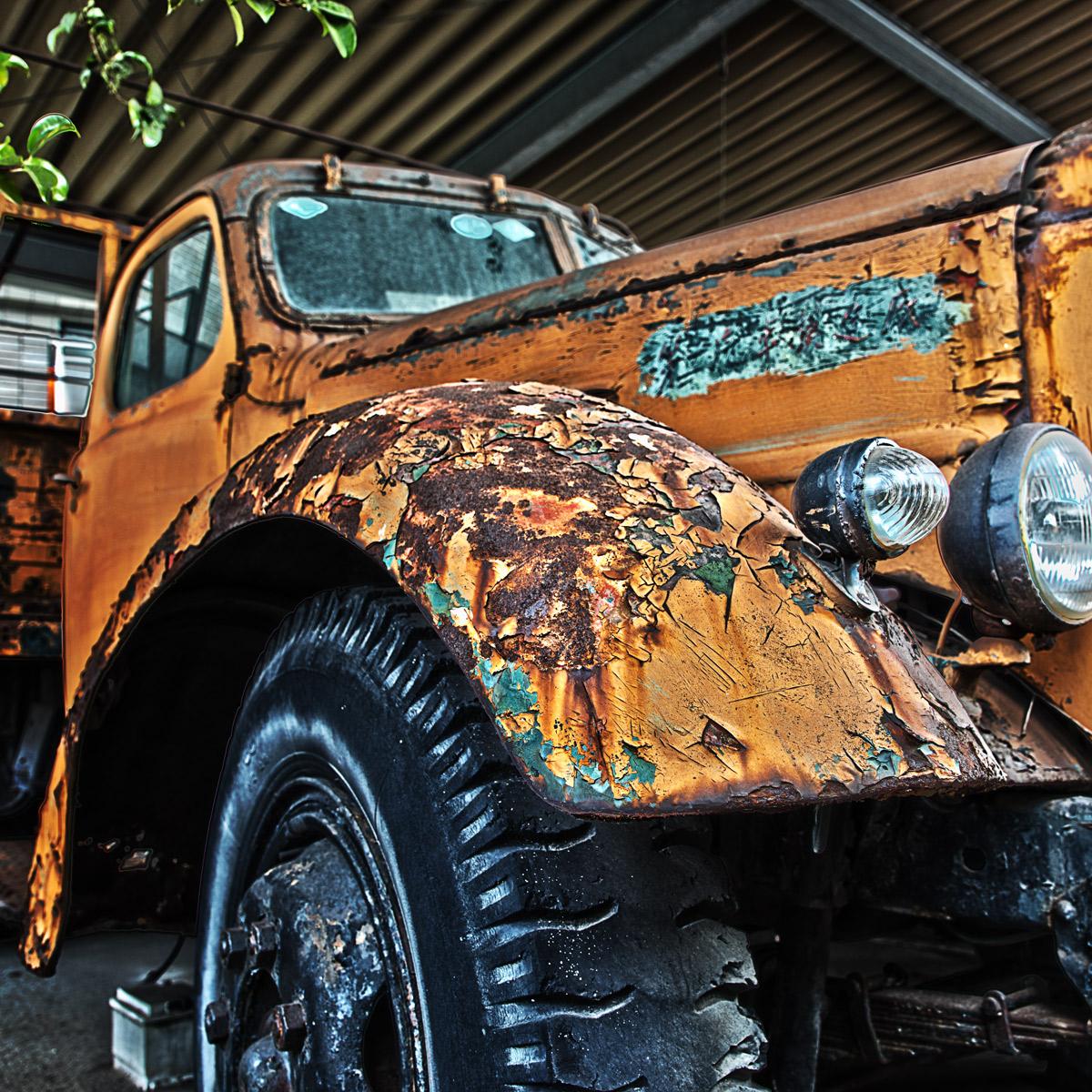 錆びたトラック