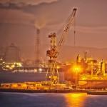 サノヤス造船のLNGタンクとクレーン@瀬戸埠頭の見える岬でHDR