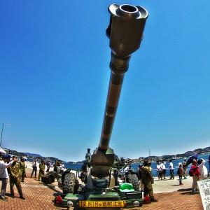 通常弾で24kmの射程距離のある、155mmりゅう弾砲@たまの港フェスティバルでHDR