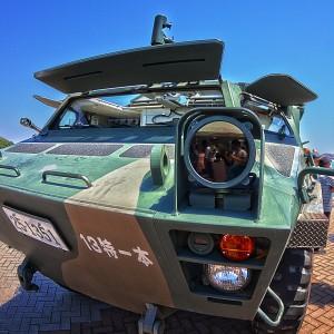フロントの赤外線ライトをアップで!82式指揮通信車(コマンダー)@たまの港フェスティバルでHDR