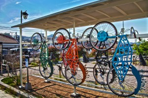 宇野駅にある瀬戸内国際芸術祭のアートサイクル@たまの港フェスティバルでHDR