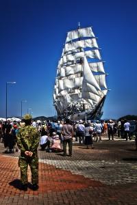 すべての帆を広げた日本丸@たまの港フェスティバルでHDR