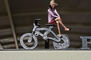 自転車に座ったミニチュア3Dモデル@たまの港フェスティバルでHDR