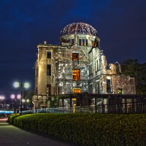 内部が橙色にライトアップされた広島原爆ドーム@A‐BOMB DOME