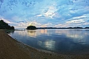 日が沈んでしまったビーナスロードの風景@黒島ビーナスロード