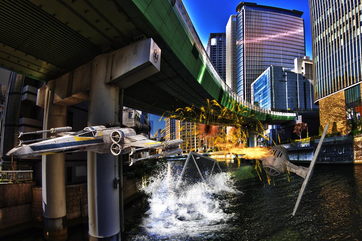 大阪環状の高架橋に激突するTieFighter