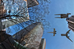 APAホテルの上を飛ぶX-Wing Starfighter@FESTIVAL TOWER WEST