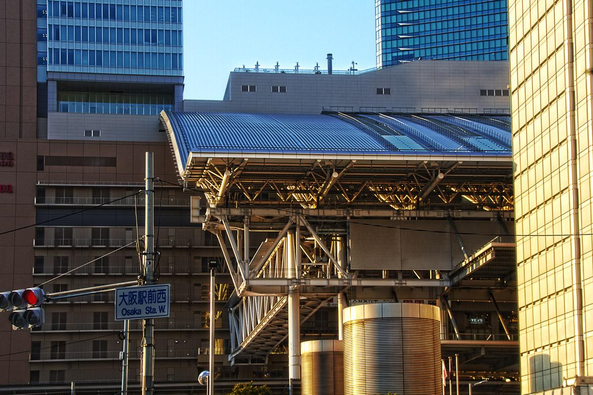 大阪駅前西