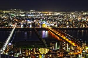 淀川を横切る国道174と阪急電鉄@空中庭園