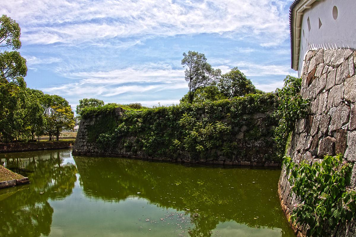 本丸厩口門の堀