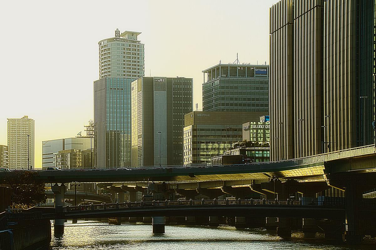 阪神高速1号環状とビル