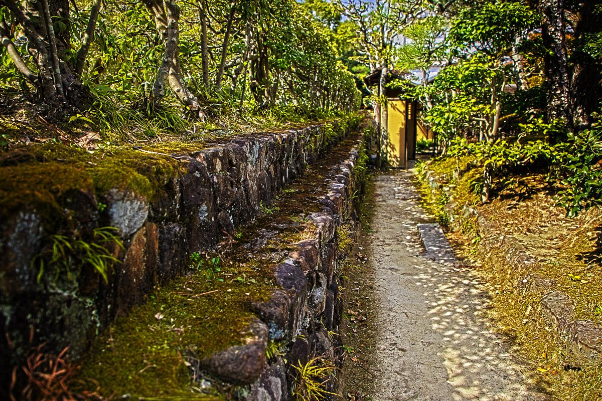 日本庭園の石垣