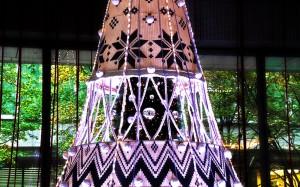 ブライトテントの中にクリスマスツリー@BRIGHT CHRISTMAS