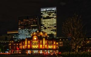 東京駅丸の内北口のタクシー乗り場@夜の東京駅丸の内駅舎