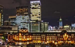 新丸ビル7階テラスからみる東京駅舎北ドーム@夜の東京駅丸の内駅舎