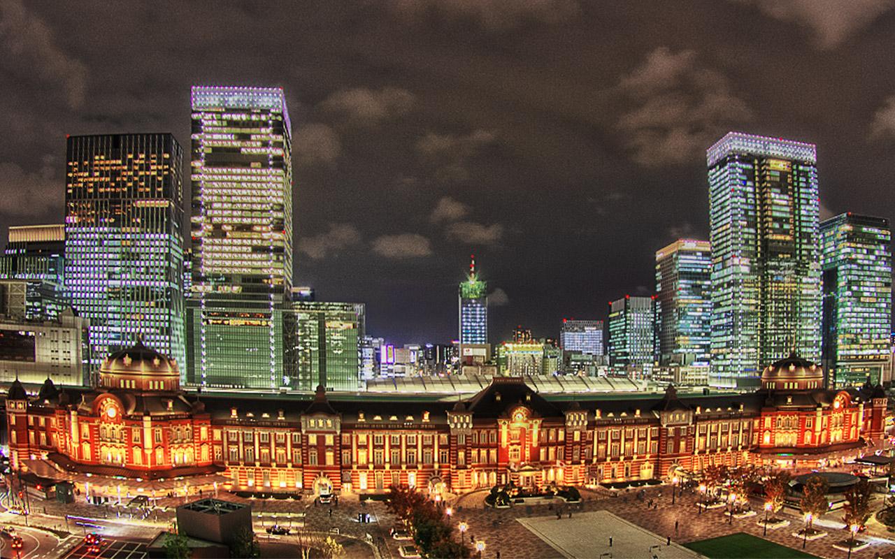 新丸ビル7階テラスからの東京駅舎