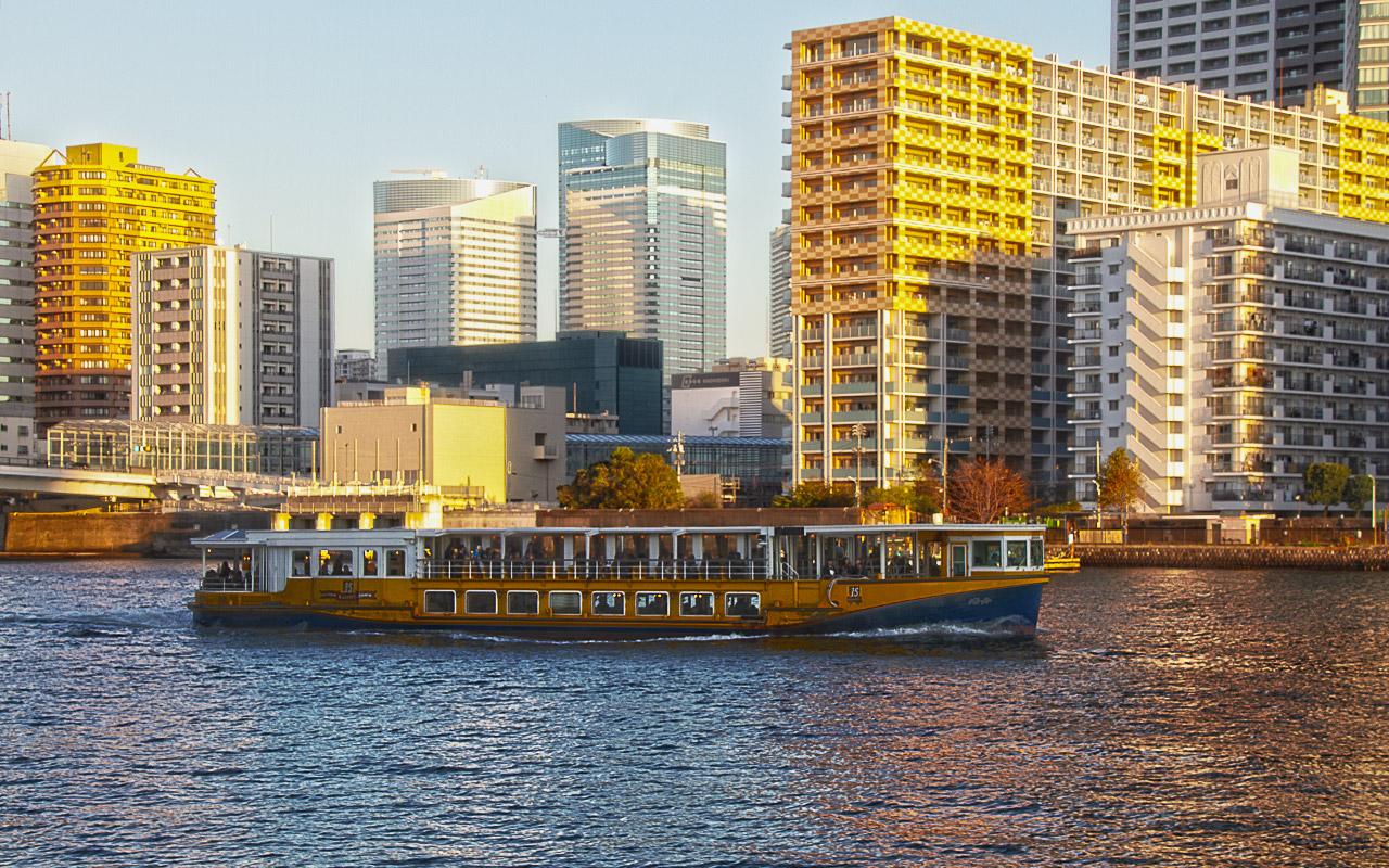 東京クルーズの海舟とクレストシティレジデンス